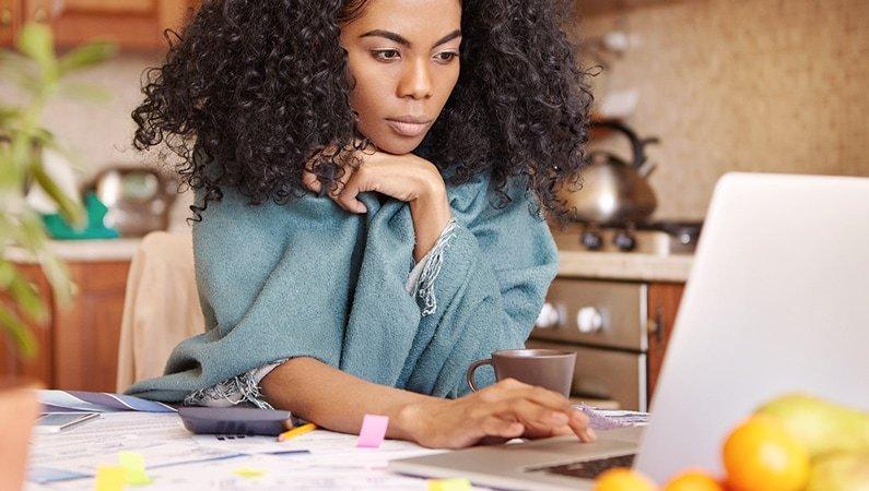 women on her computer