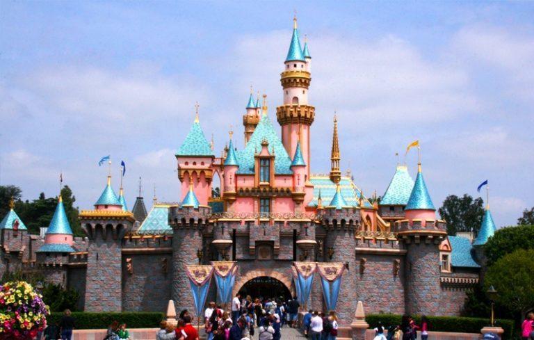Sleeping Beauty Castle, Disneyland. (photo via Flickr/ Glen Scarborough)